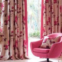 http://roze.demooistekleur.nl/img/woonkamer_roze_gordijn_1.jpg